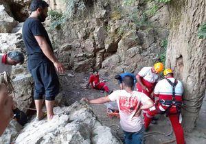 بی احتیاطی مرگبار در آبشار لوه گالیکش / یک قربانی دیگر در سقوط از آبشار