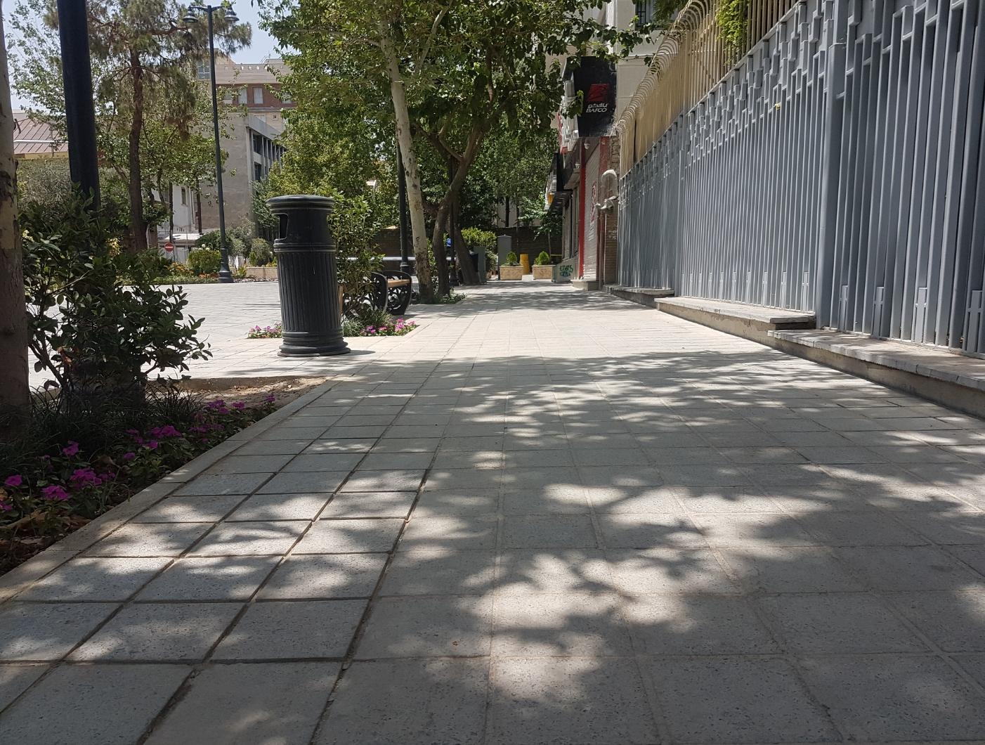 شیپور افتتاح برای پیاده راهی که هنوز ناقص مانده/ گذر شهریار برای معلولان مناسب سازی کامل نشده است