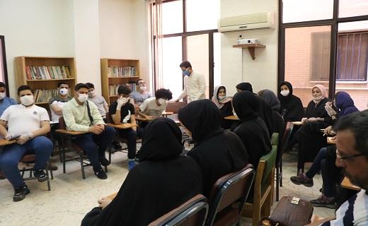 ورکشاپ بازیگری محمد حاتمی در باشگاه خبرنگاران جوان قم