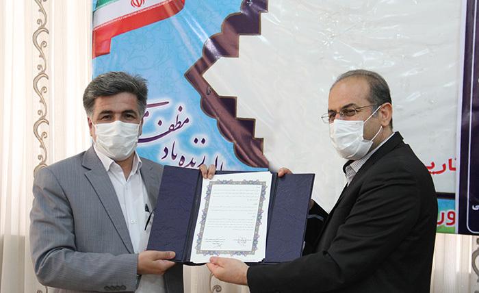 امضای تفاهم نامه همکاری میان آموزش و پرورش و کمیسیون مبارزه با قاچاق کالا و ارز استان همدان