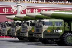 موشکهای «دنگفنگ» چین ناوهای آمریکایی را در تیررس قرار دادند