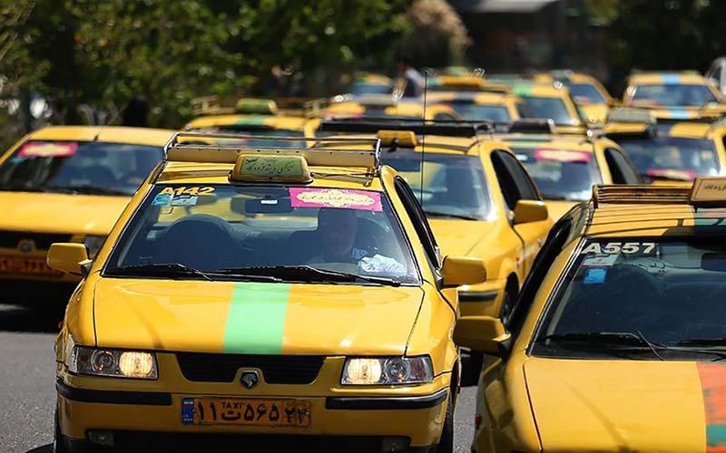 ابتکار راننده تاکسی سنندجی برای مقابله با کرونا