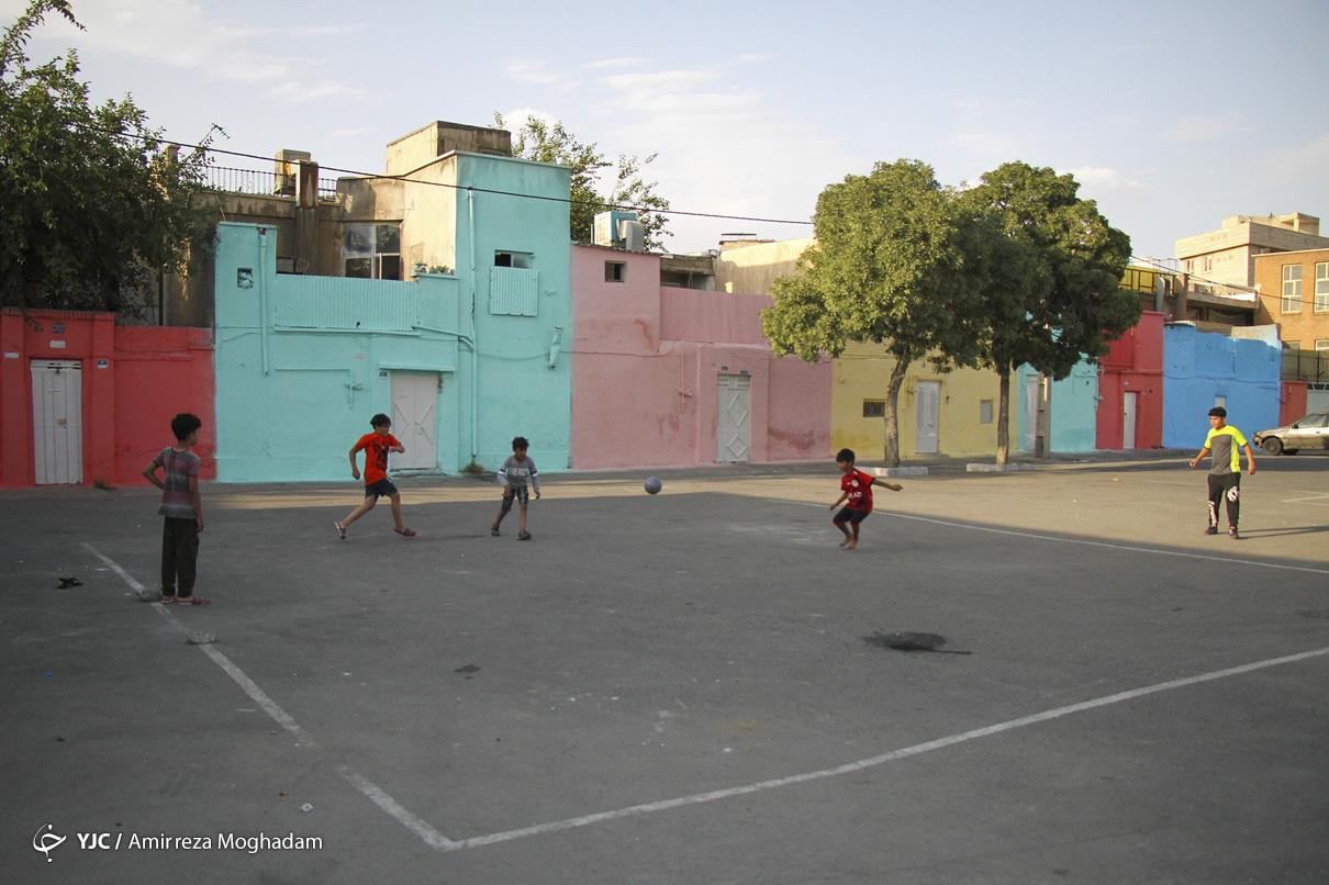 کاهش بزه با اجرای طرح لکه های رنگ در محله هرندی