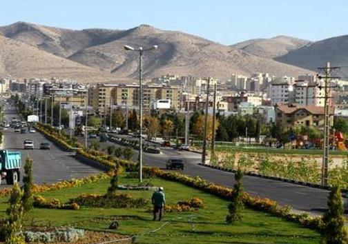صدرا 150 هزار نفر جمعیت دارد