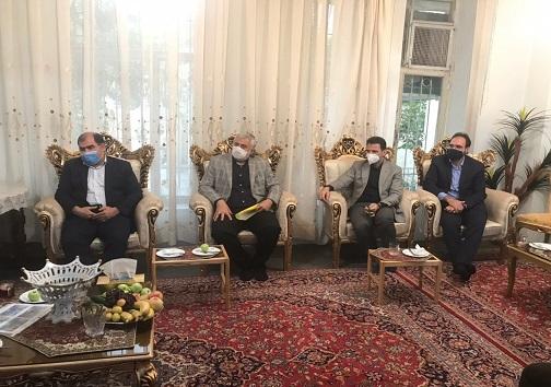 حضور استاندار کرمانشاه در منزل پیشکسوتان وزنه برداری