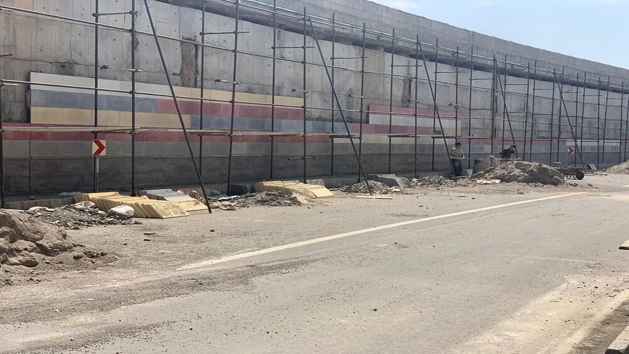 استفاده از نمای پلیمری در پروژه میدان آذربایجان/ کرونا روند نماکاری را کند کرده است