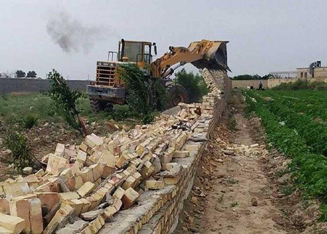 قلع و قمع ۲۵ ساخت و ساز غیرمجاز در روستای اسپیران