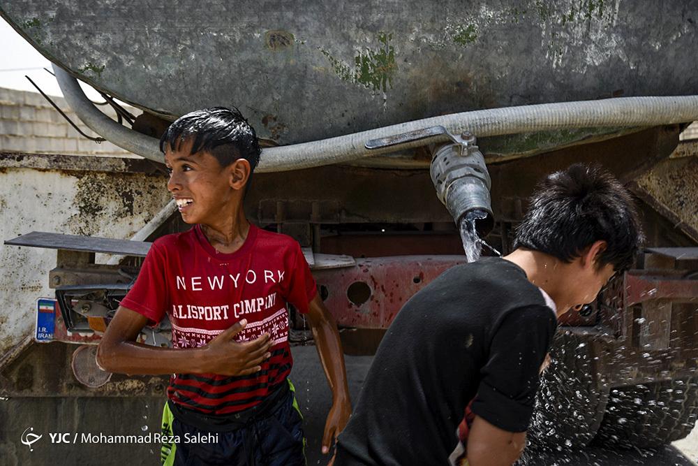 آب بازی کودکان در غیزانیه