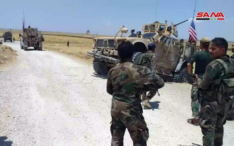 ارتش سوریه بار دیگر جلوی عبور خودروهای نظامی آمریکا را گرفت+ تصاویر