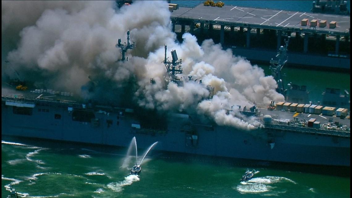 وقوع انفجار و آتشسوزی در کشتی جنگی نیروی دریایی آمریکا+ عکس و فیلم