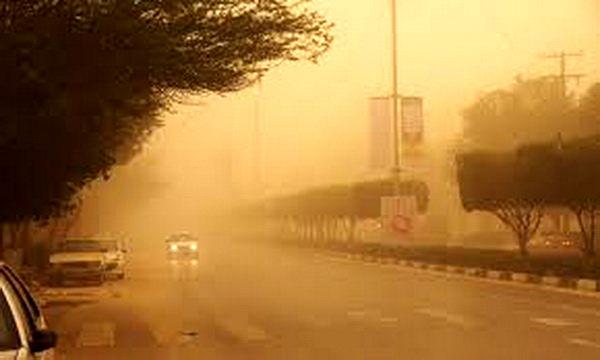 وزش باد شدید و آسمان غبار آلود در استان همدان