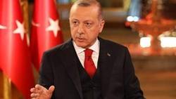 شعر خواندن اردوغان به زبان فارسی در یک برنامه زنده تلویزیونی + فیلم
