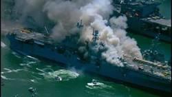 فرضیههایی مهم درباره علت انفجار ناو هواپیمابر آمریکا + فیلم