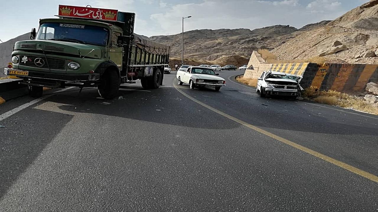 دو حادثه رانندگی در جاده برازجان-شیراز ۱۰ مصدوم داشت