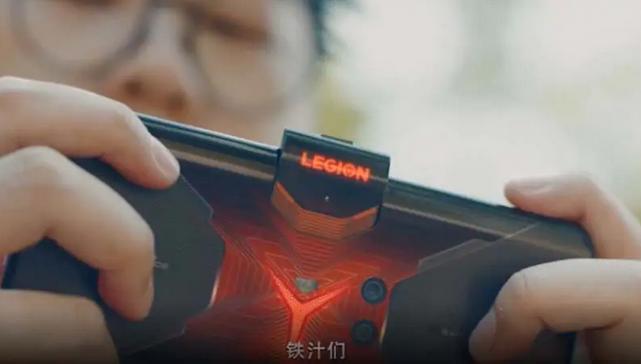 لنوو برترین گوشی را برای استریمرها ساخت