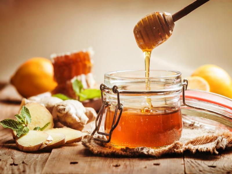 معجزه نوشیدنی آب و عسل در درمان بیماریها