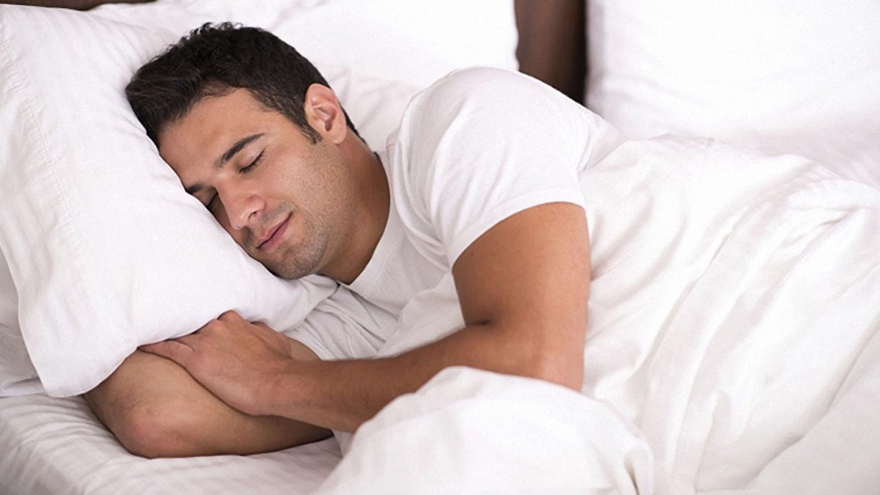 چرا برخی حتی در هوای گرم هم بدون پتو خوابشان نمیبرد؟
