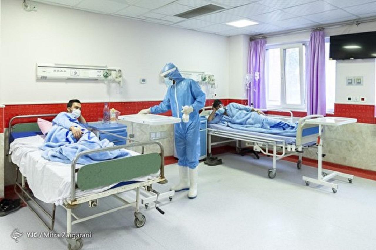 وقتی وزیر بهداشت از وضع تختهای بیمارستانی خبر ندارد/ بستری کروناییها در پارکینگ بیمارستان و وزارت بهداشت در خواب