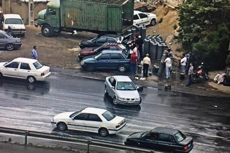 مشاغل مزاحم در حاشیه اتوبان پاسداران تبریز علت اصلی تصادفات است