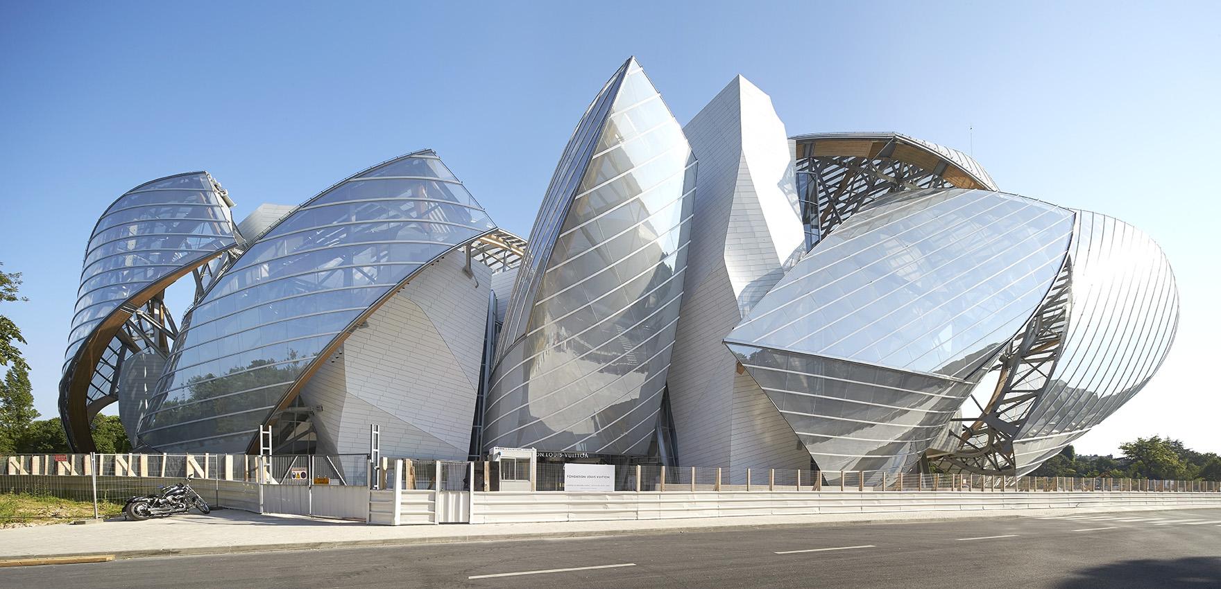 موزهای که به بادها تکیه میزند+تصاویر