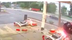 تصادف و آتش سوزی در پمپ بنزینی در آمریکا