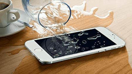 چگونه تلفن همراه خیس شده را تعمیر کنیم؟