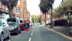 لحظه سرقت خودروی شاسی بلند راننده زن
