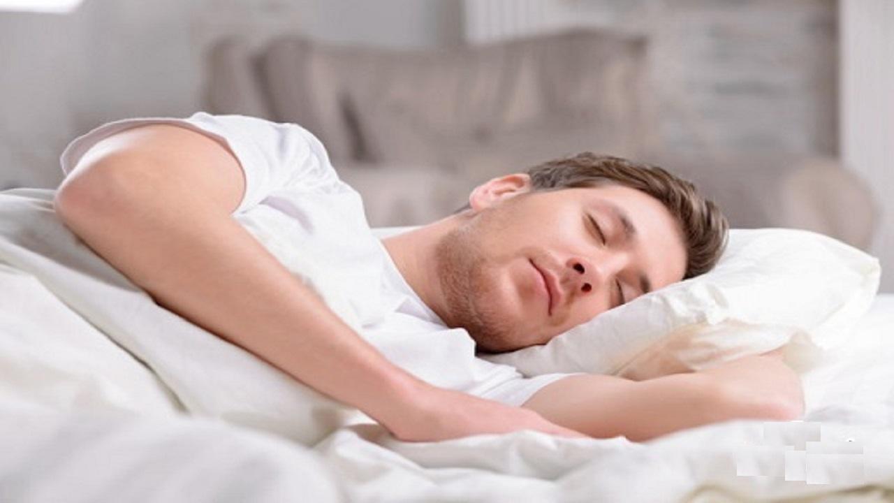اگر کم خوابی داشته باشید چه اتفاقی برای بدنتان رخ میدهد؟