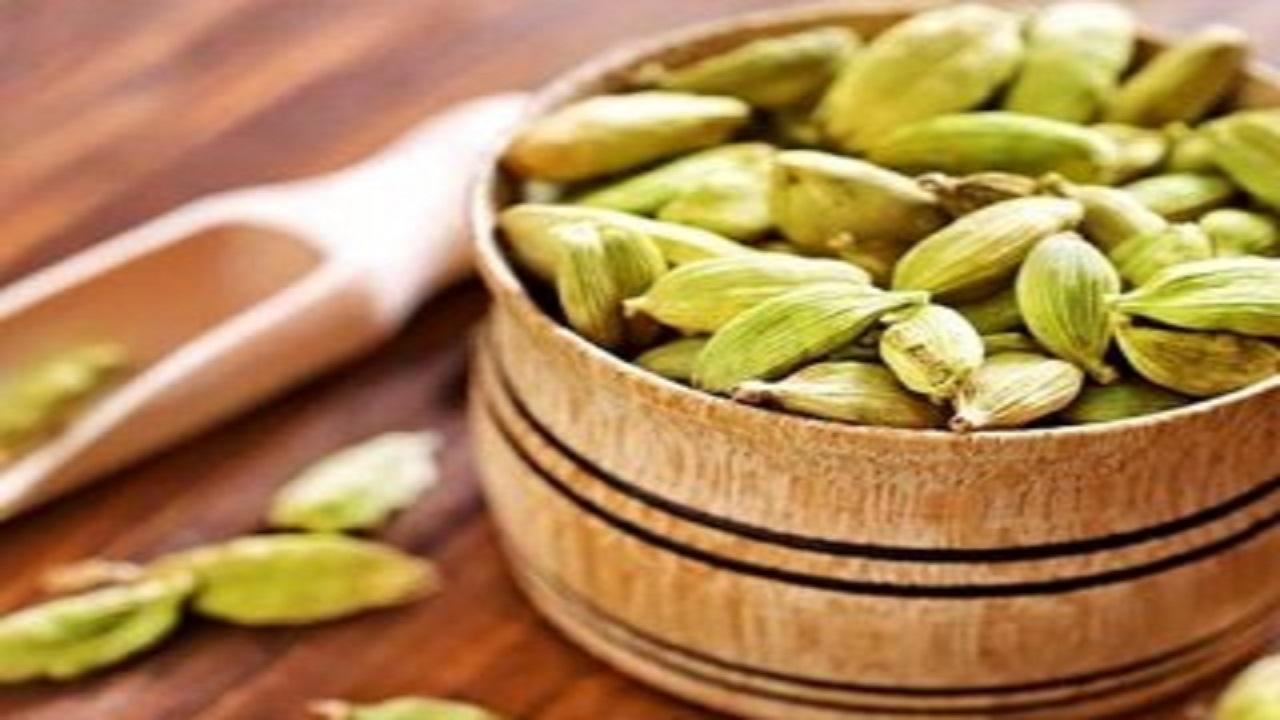 ۷ خاصیت درمانی هل/ از رفع بوی بد دهان تا درمان سرطان