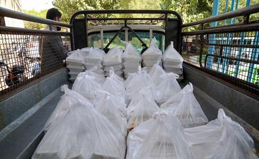 توزیع غذا میان نیازمندان قم در روز عید غدیر