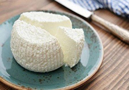 چرا نباید پنیر را در وعده صبحانه مصرف کنیم؟
