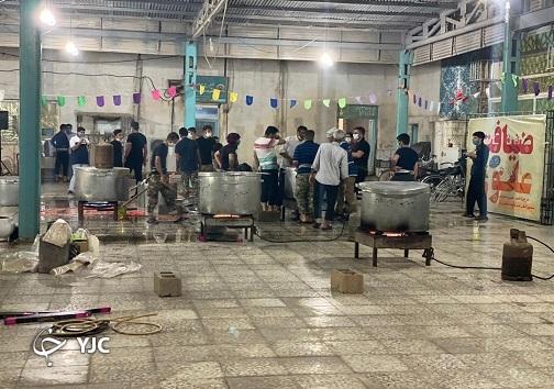 غذای گرم، هدیهای علوی به مددجویان کمیته امداد بندر امام خمینی (ره)