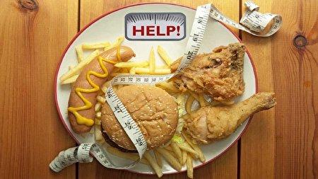 ۵ نشانه هشداردهنده مصرف بیش از حد چربی