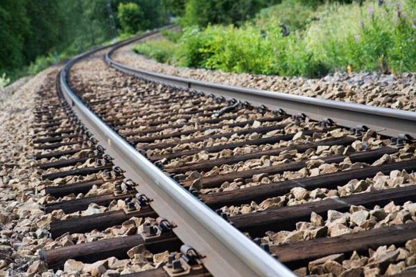 راه آهن اردبیل به زودی تکمیل می شود / ضرر هزار میلیارد تومانی شرکت های حمل و نقل ریلی از کرونا