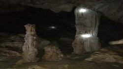 کشف یک غار شگفت انگیز و تاریخی در لرستان