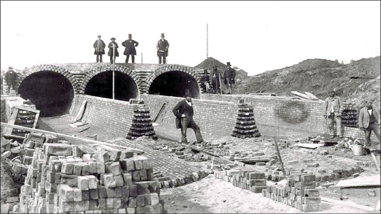 بحــرانها مادر اختراعها/ سوسیس وسط جنگ جهانی، دوچرخه بعد از فوران یک آتشفشان