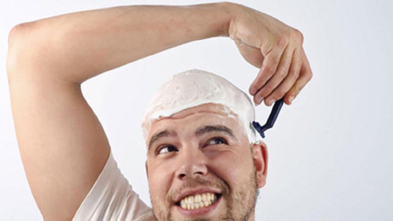 آیا تیغ زدن موها را ضخیم میکند؟