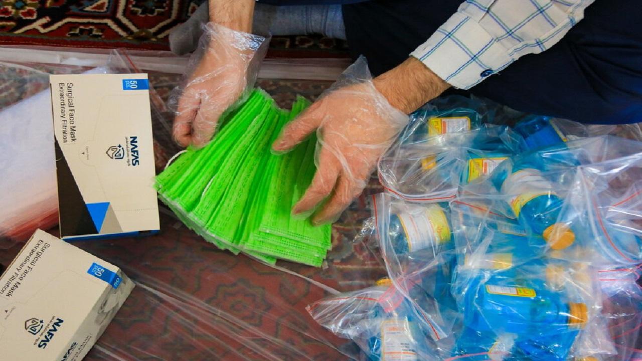 اهدای بسته های بهداشتی به داوطلبان کنکور سراسری در خوزستان