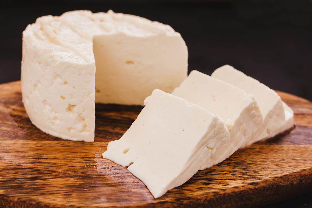 از کاهش وزن تا استحکام استخوان؛ ۵ دلیل اصلی مصرف پنیر در صبحانه
