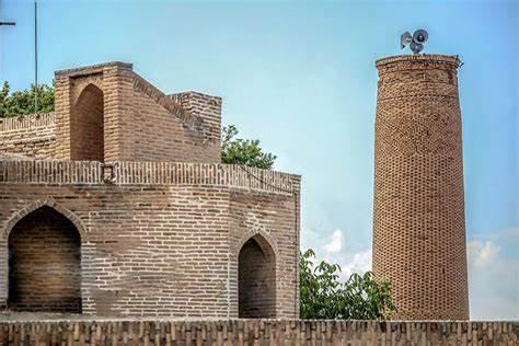 مسجدی که بخشی از تاریخ اسلام در ایران را روایت میکند