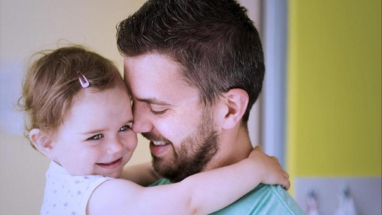 چرا پسران مادری و دختران پدری هستند؟