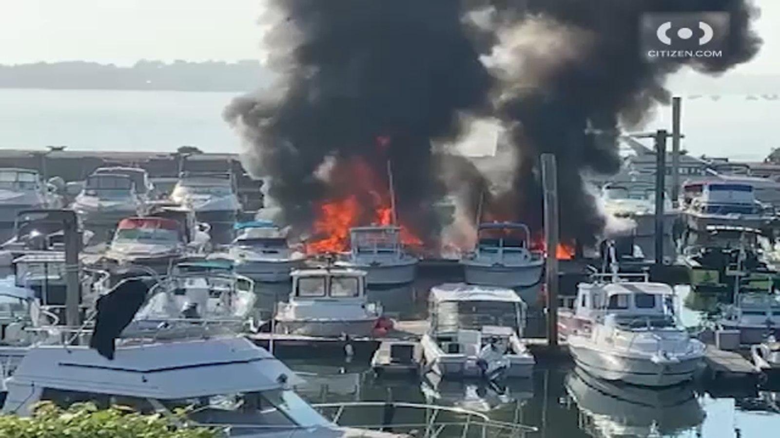 آتش سوزی در بندر برانکس نیویورک در آمریکا