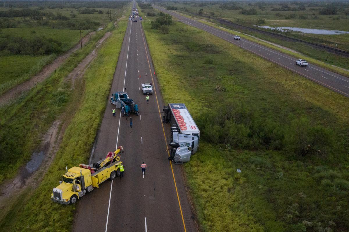 طوفان هانا مرز بین آمریکا و مکزیک را تخریب کرد ////////