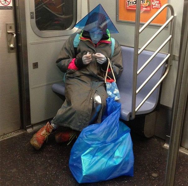 عجیبترین تصاویر داخل مترو