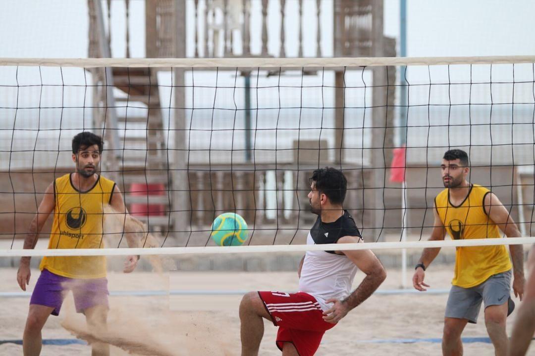 تمرین طارمی با ملی پوشان فوتبال ساحلی پارسجنوبی+ عکس
