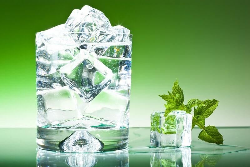 آیا نوشیدن آب سرد برای بدن مضر است؟