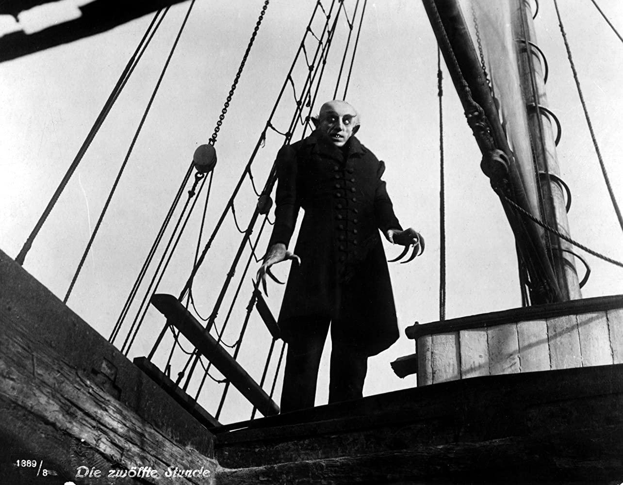 ۵ فیلم ترسناک برتر تاریخ سینما برای تماشا کردن در تنهایی