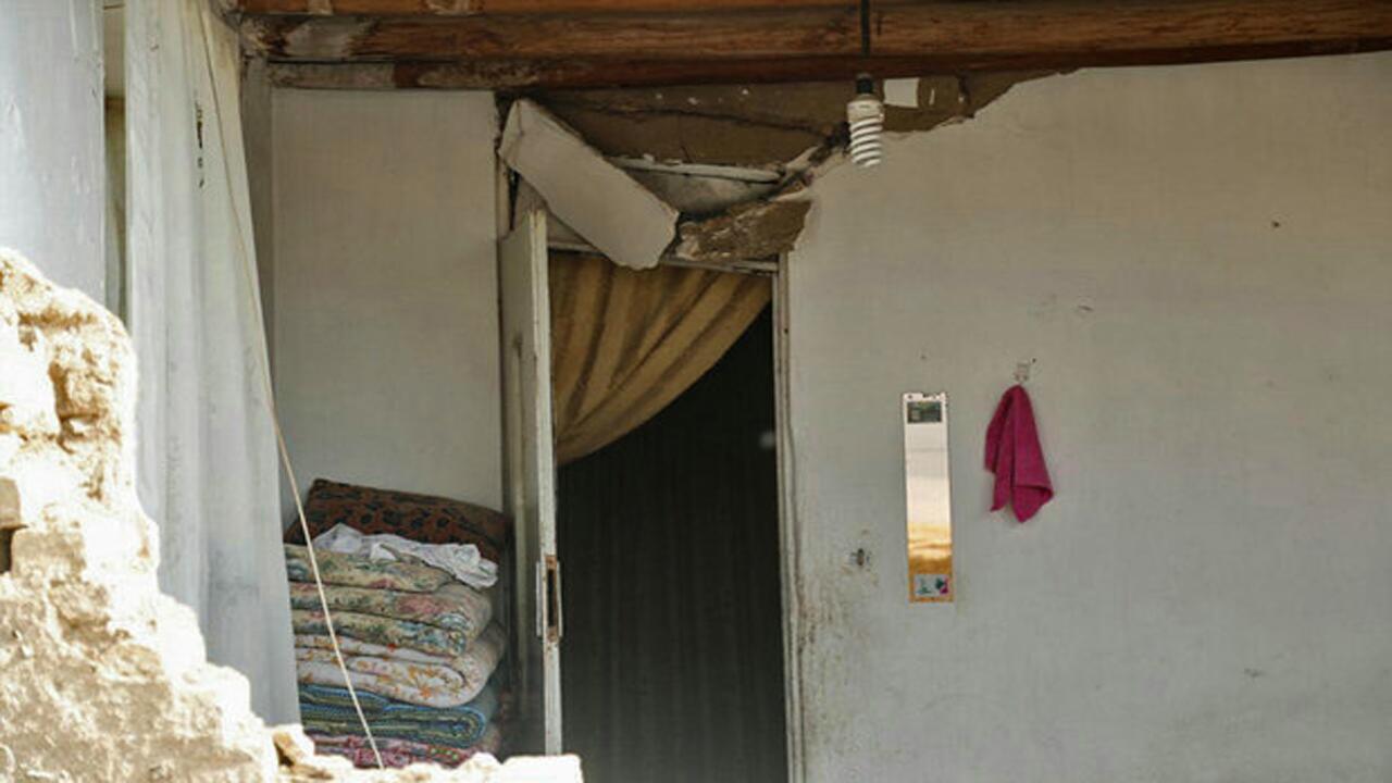 ترک خوردگی ساختمان در رامیان گلستان