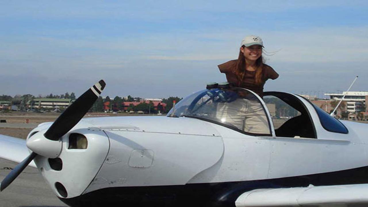 عجیبترین زن خلبان جهان را بشناسید