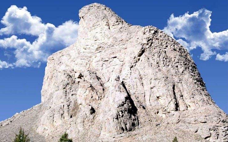 نفس تنها کوه عقاب جهان به شماره افتاد